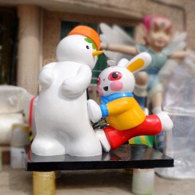 雪人与兔玻璃钢雕塑