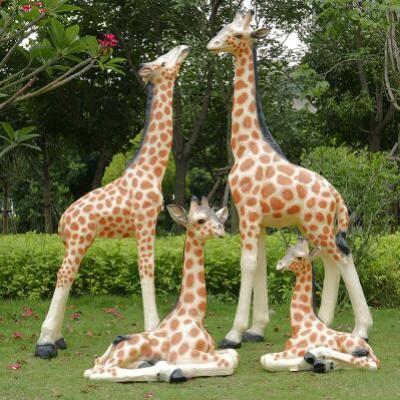 仿真长颈鹿玻璃钢雕塑