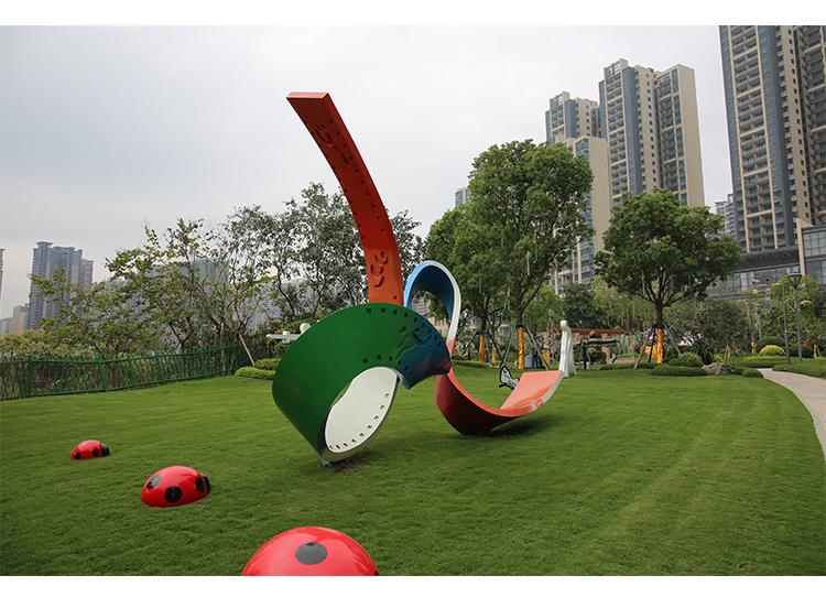 不锈钢电影带城市景观广场雕塑