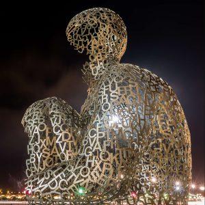 不锈钢雕塑怎么制作的?