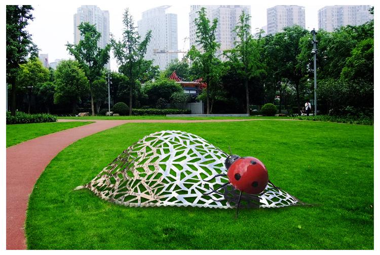不锈钢瓢虫雕塑