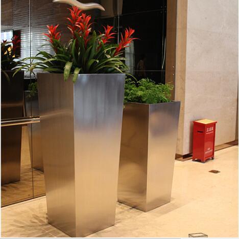 不锈钢方形景观花盆有那些优势?
