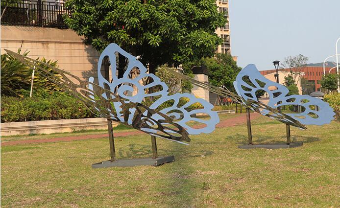 不锈钢镂空镜面蝴蝶雕塑,公园草坪装饰都选择这款摆件!