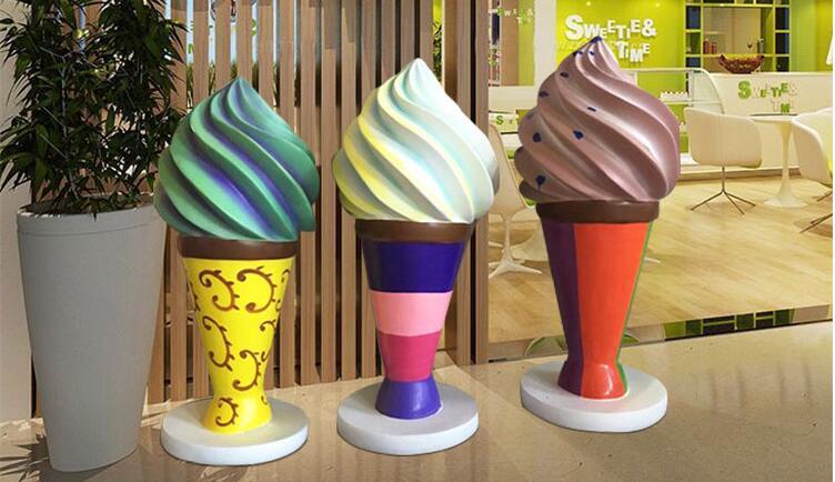 冰淇淋玻璃钢雕塑,夏家公园美食街大家都摆上了它!