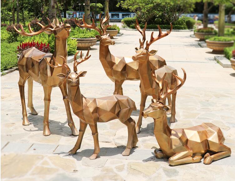 玻璃钢仿铜鹿雕塑,室内室外园林雕塑都喜欢这款!