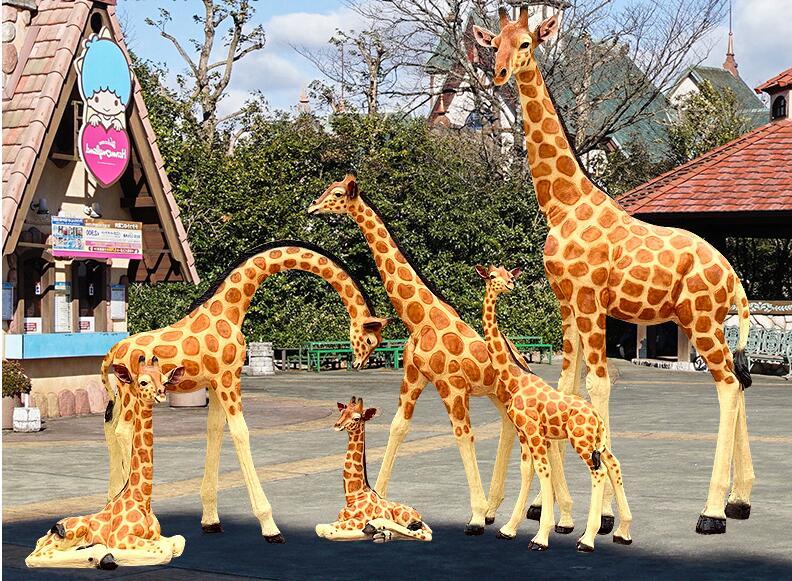 大型仿真长颈鹿玻璃钢雕塑,园林景观装饰都用它!
