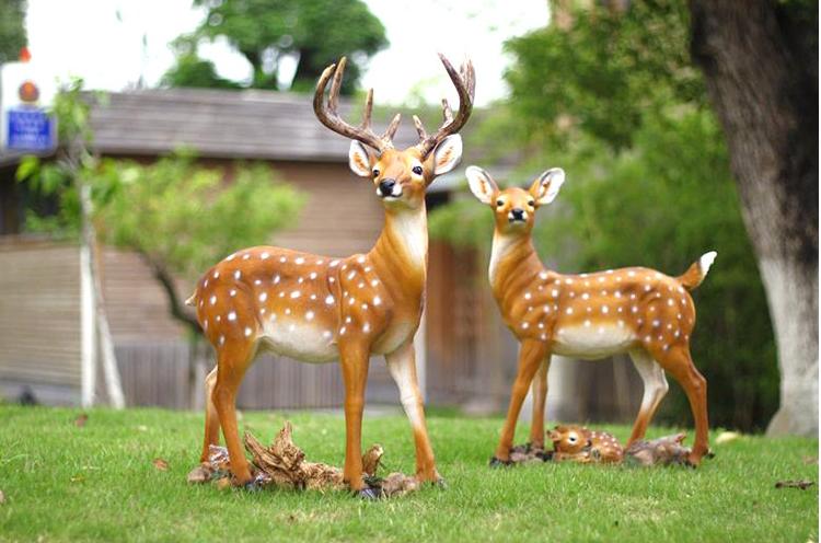 广场玻璃钢梅花鹿动物雕塑