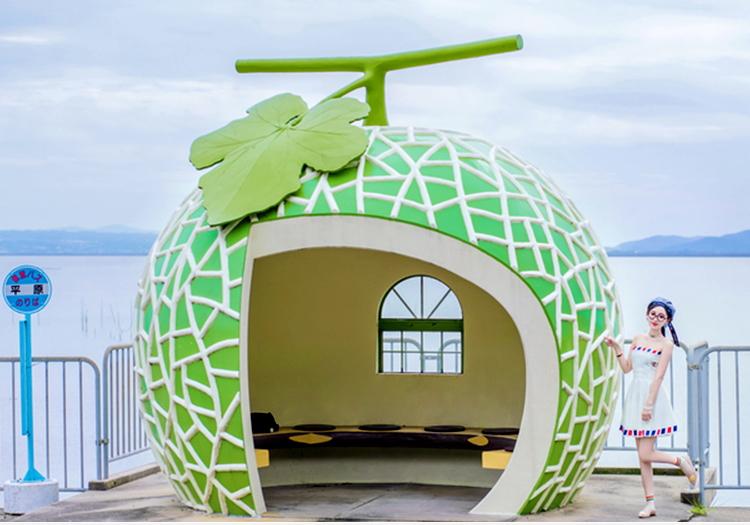 广场玻璃钢水果小屋景观雕塑
