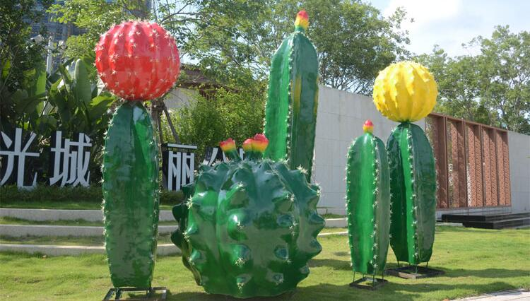 仙人掌玻璃钢雕塑,户外园林景观非常受欢迎的摆件!