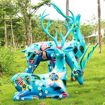 玻璃钢雕塑在小区和公园为什么受欢迎?