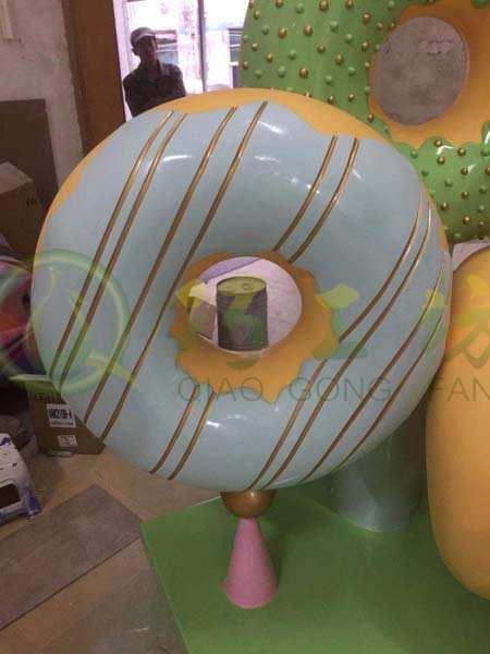 草坪玻璃钢甜品店装饰甜甜圈道具景观摆件