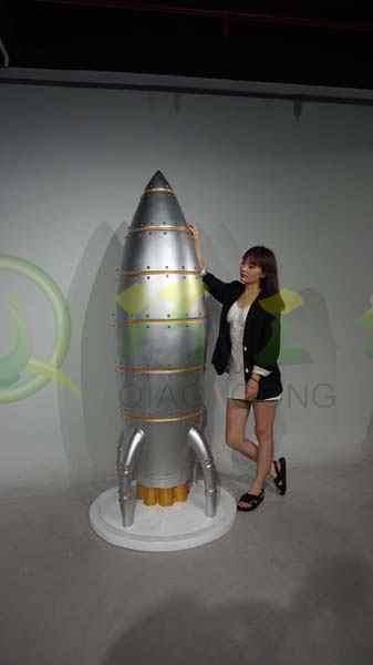 太空人物雕塑模型玻璃钢航天科技馆大型商场展厅摆件