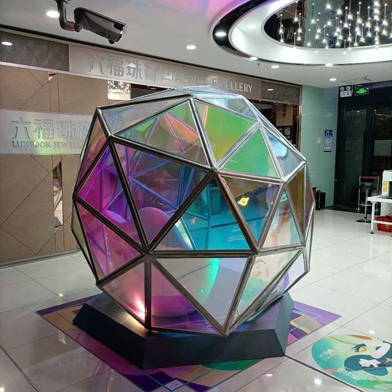 商场美陈亚克力雕塑案例