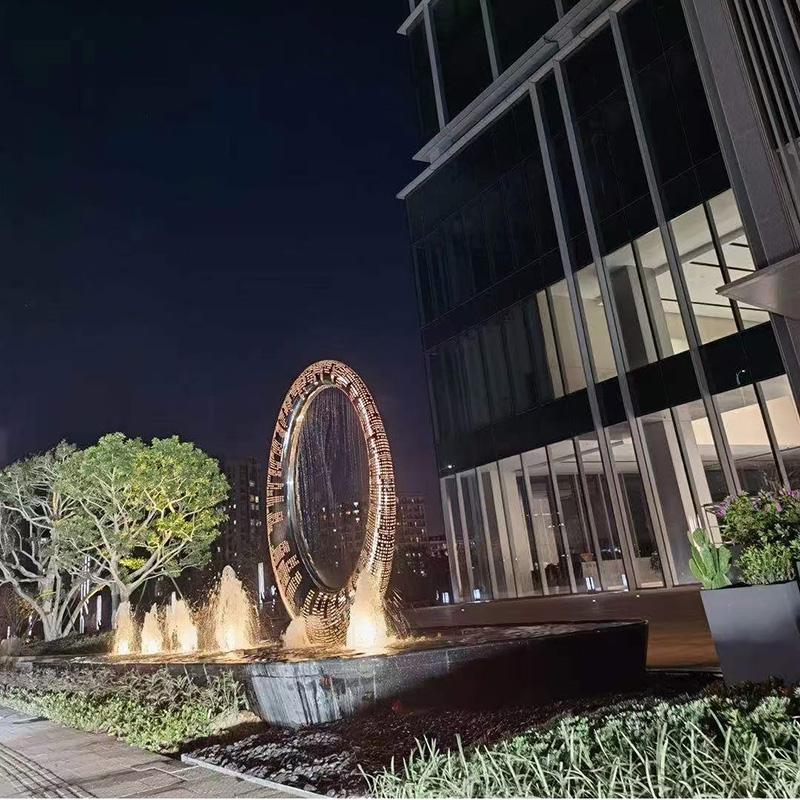 户外不锈钢月亮景观广场雕塑案例