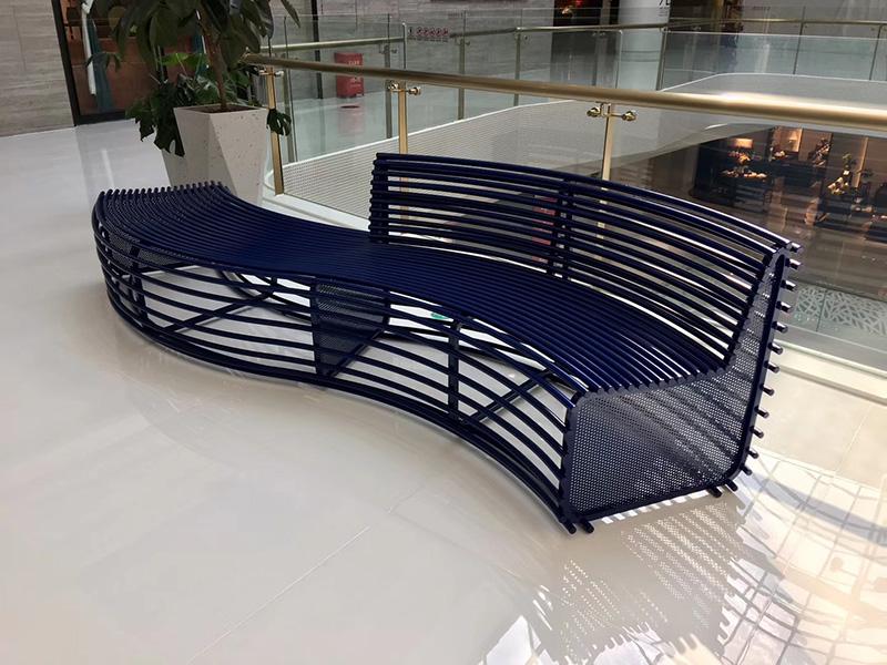 不锈钢靠背异形镂空坐凳