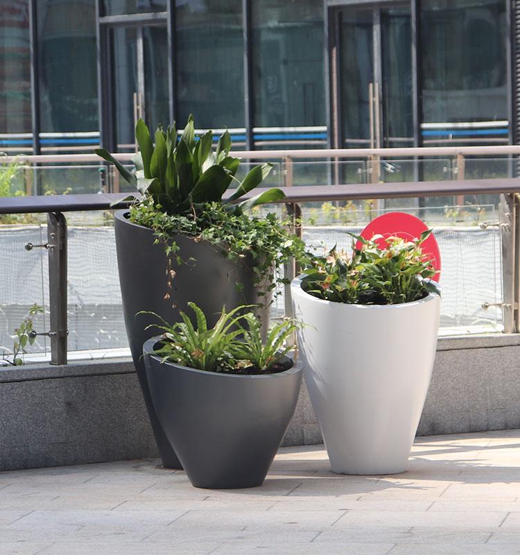 玻璃钢简约白色商场美陈菱形花盆户外公园景观摆件
